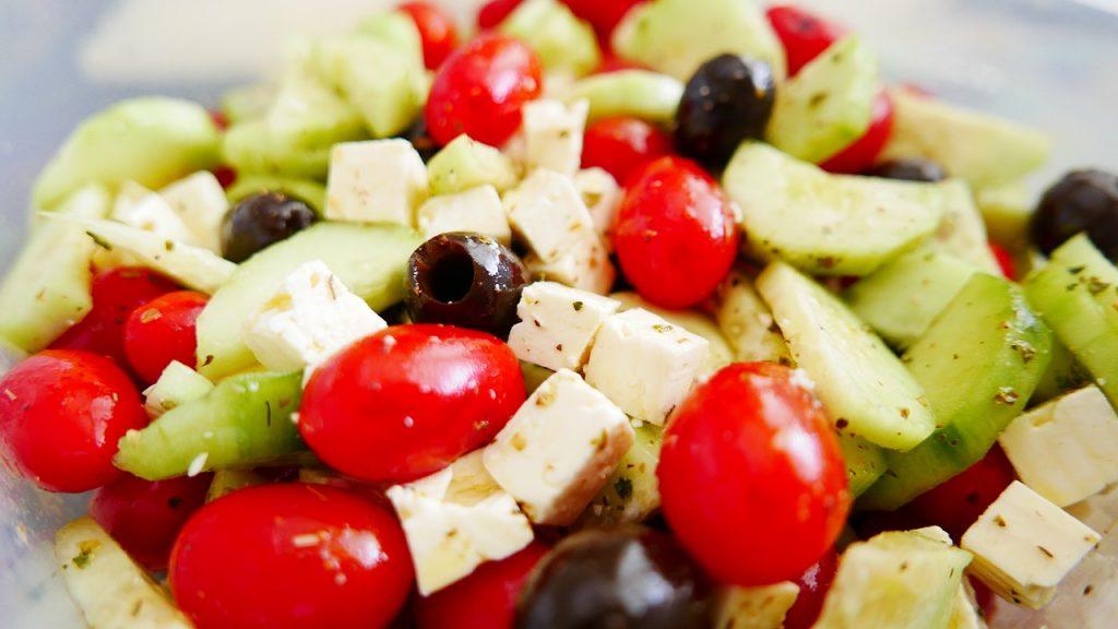 Dieta mediteraneană - salată grecească