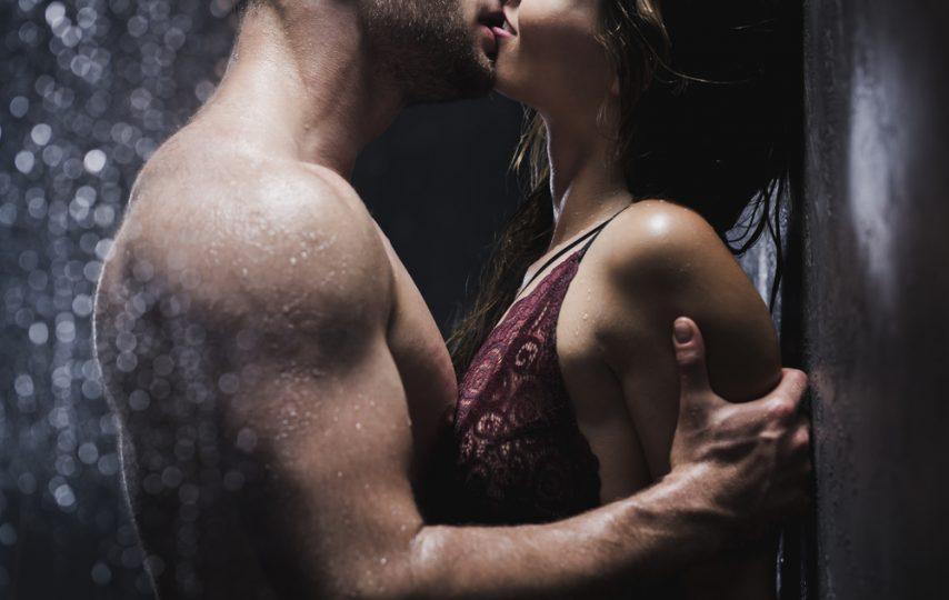 sărutat cuplu